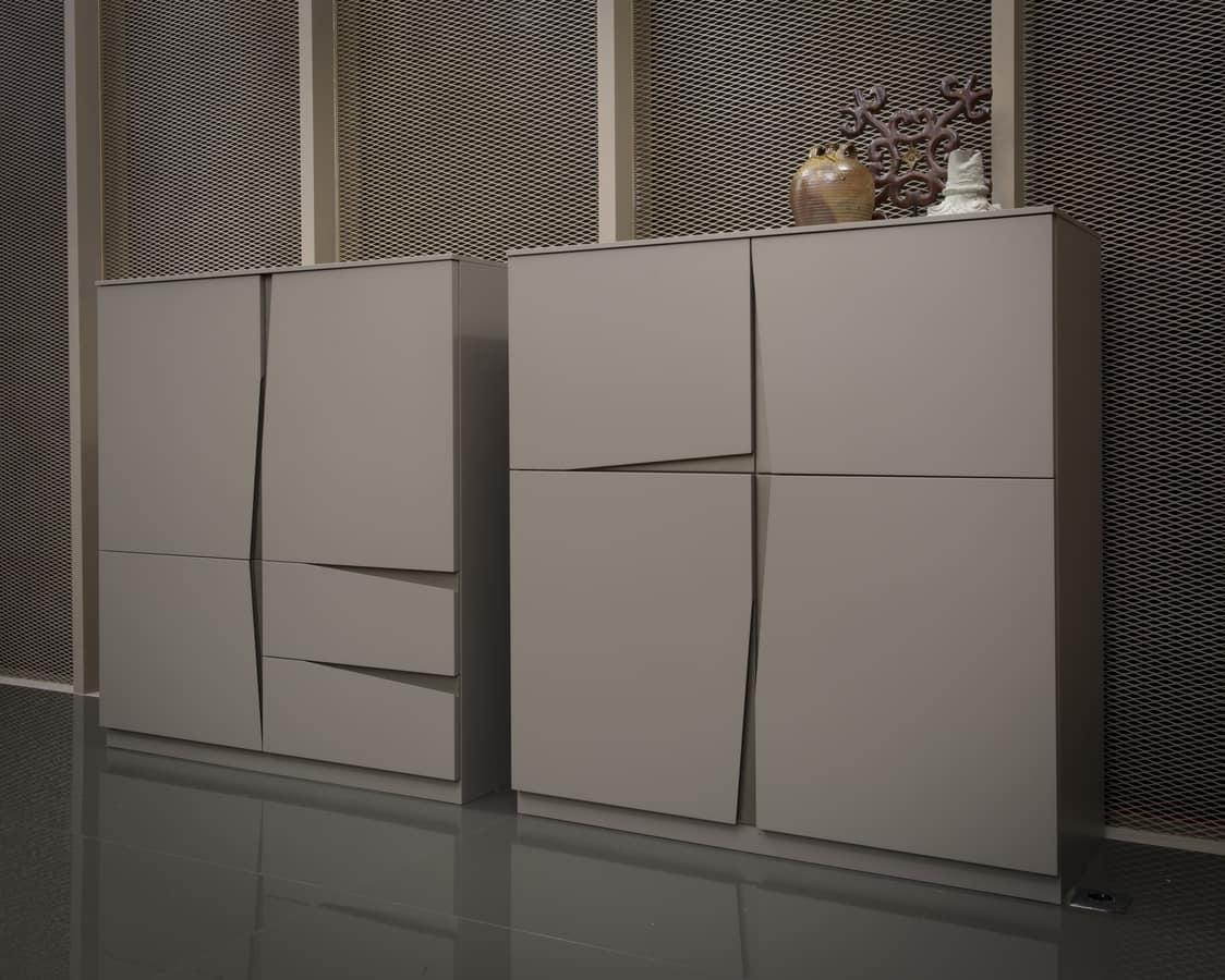 VELA armario comp.02, Armario de cuatro puertas, con corte oblicuo característico