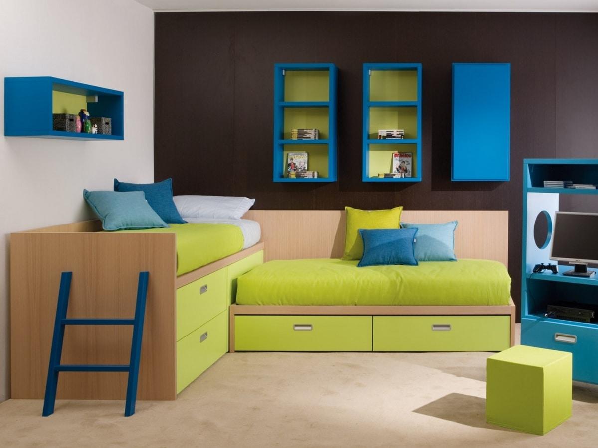 Habitación infantil con camas esquineras, equipada con cajones.   IDFdesign