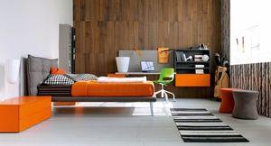 Comp. New 135, Dormitorio para niños con cama tapizada y escritorio