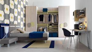 Comp. New 142, Dormitorio de los niños con gran armario y escritorio