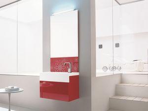 Trenta5 02, Brillante lavabo mueble de baño rojo, decorado con espejo