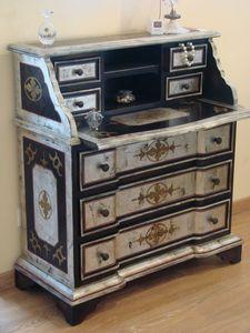 Art. 540, Veneciana escritorio para el hogar, en estilo clásico