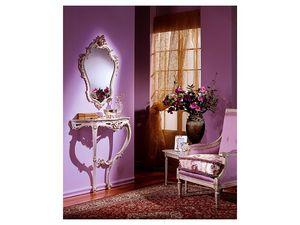 3330 MIRROR, Clásico espejo con acabado en pan de plata, por el vestíbulo