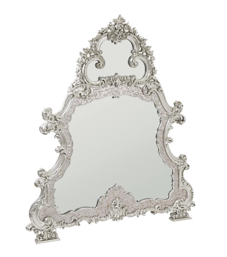 Espejo con marco de madreperla, tallado y cubierto de oro blanco ...