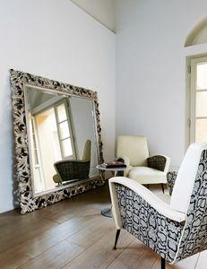 Amal 271, Espejo clásico con marco tallado