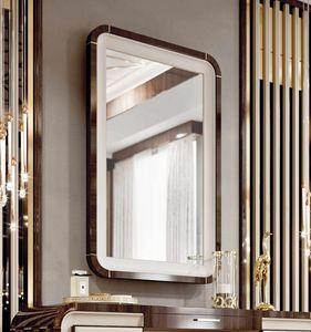 ART. 3375, Espejo con marco de eucalipto y detalles en piel.