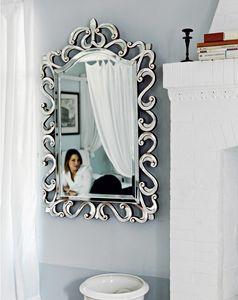Asah 205, Espejo con marco tallado
