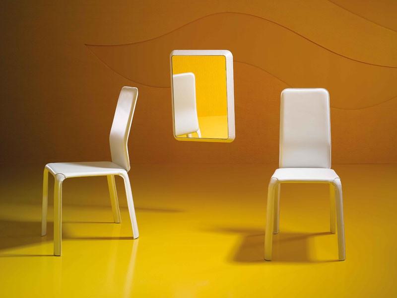 Reflex P, Espejo moderno, en madera y cuero, para el pasillo