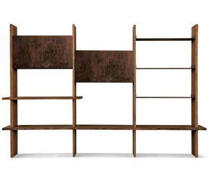 S-152, Librería de pared equipada con puertas y estanterías.