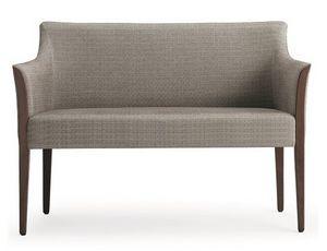 Cleo-D, Sofá tapizado de dos plazas