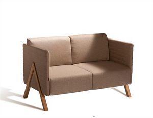 Vision 570S, Sofá con tapicería de tela, vinilo o cuero