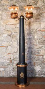 Art. SL 146, Farola con el tronco central de la madera, de estilo clásico