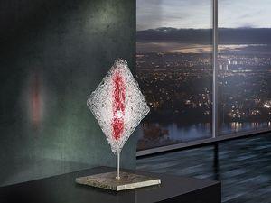 Alaska table lamp, Pantalla de lámpara en forma de diamante, de oficinas en estilo moderno