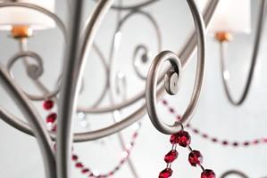 Anima chandelier, Lámpara con estructura de metal refinado y colgantes sw