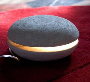Big Mac, Pequeña lámpara de mesa, hecha de piedra