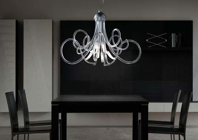 Chic chandelier, Lámpara en estructura metálica, espirales en cristal de Murano