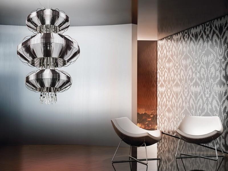 Full Moon chandelier, Lámpara con colgantes de Swarovski y perlas de cristal