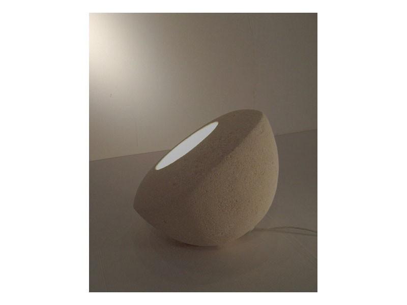 Oblo', Lámpara de suelo o la mesa, hecha de piedra tallada