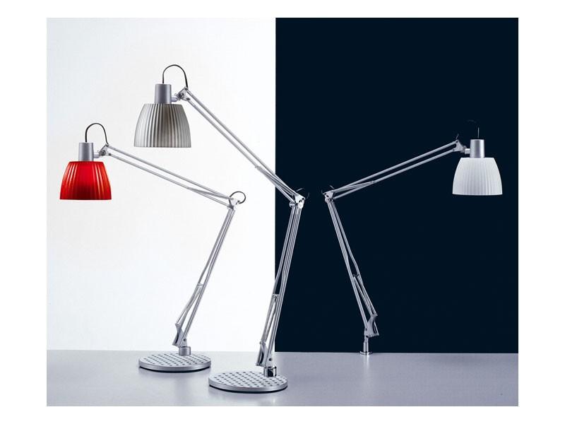 Opera, Lámpara de mesa para las bombillas fluorescentes, para oficinas