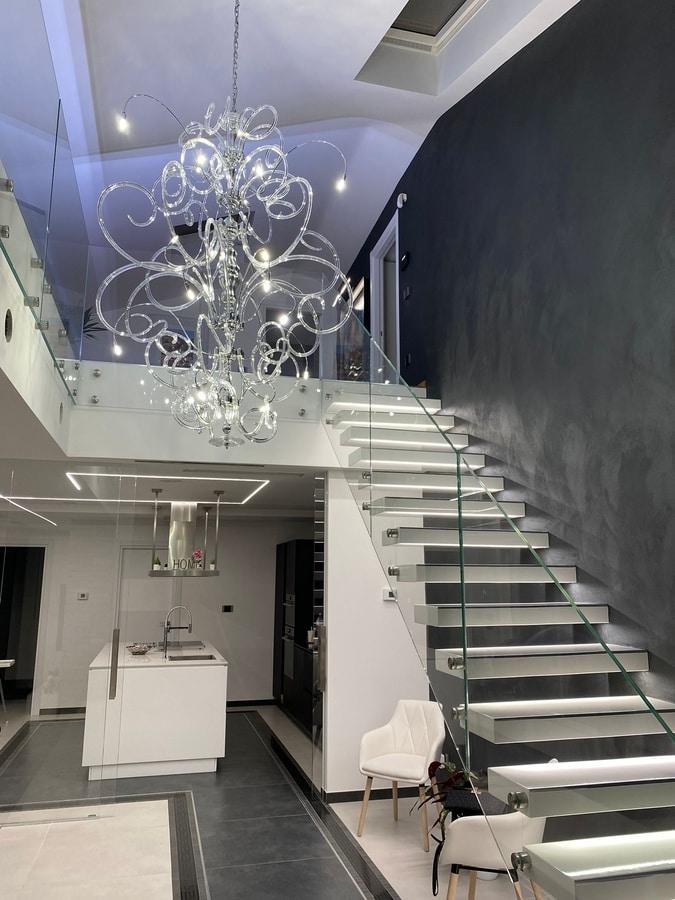 Vanity hanging lamp, Araña suspendida en latón y cristal cromado