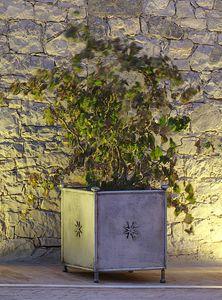 MONASTERO GF4019VA, Jarrón de jardín, en hierro decorado.