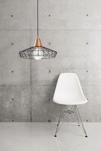 Freedom, Lámpara con estructura en alambre de hierro.