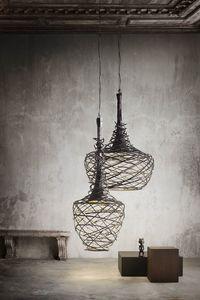 Nest, Lámparas colgantes en hierro tubular entrelazadas a mano