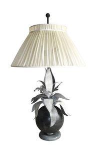 Art. 3020-03-00, Lámpara de mesa con pantalla de seda