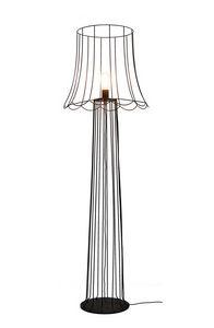 Lucilla H6051VN, Lámpara de pie completamente hecha de hierro oxidado