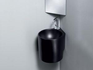 IDEA CUBE WASHBOWL, Un lavabo de cerámica, de espacio público