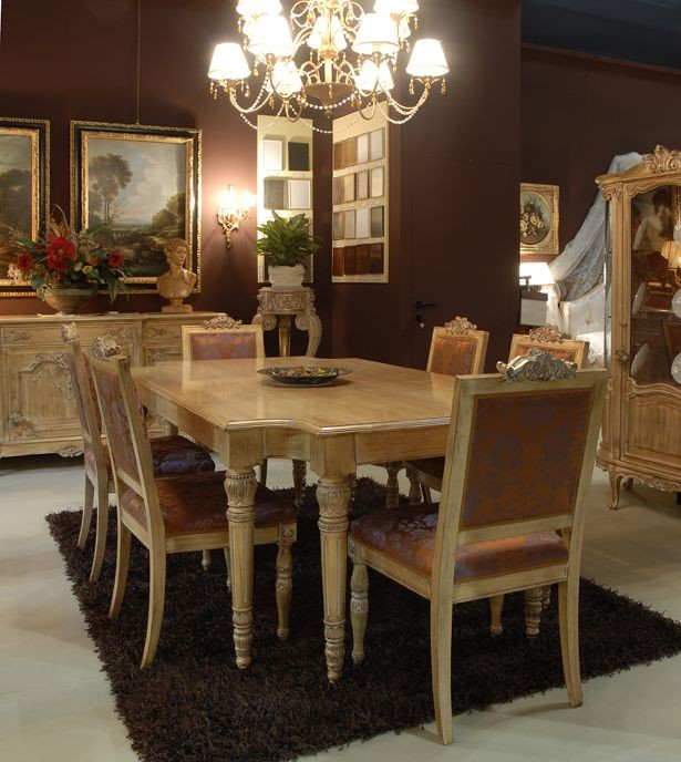 Mesa con sillas tapizadas para comedor, clásico de lujo | IDFdesign