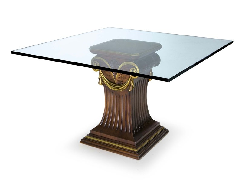 Art.528 dining table, Mesa con tapa de cristal y base de madera de haya, de estilo clásico
