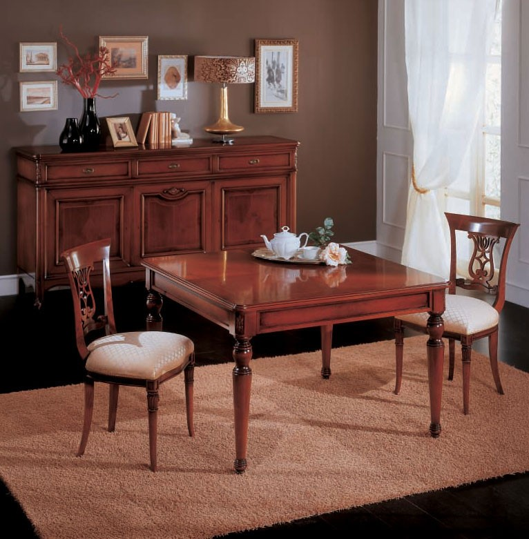 Mesa de comedor extensible en madera, de estilo clásico