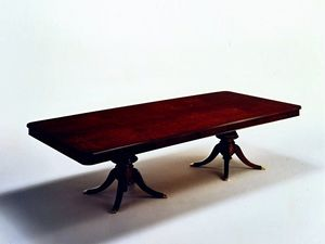 Wilde, Mesa rectangular clásico chapados en mirto rebabas