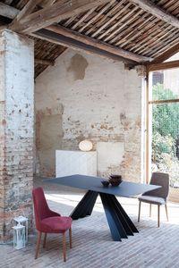 VENTAGLIO, Mesa de comedor con tapa de cristal negro, base de metal