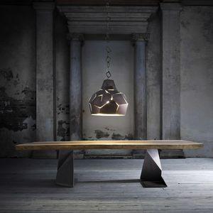 Trog, Mesa de madera maciza con patas de hierro