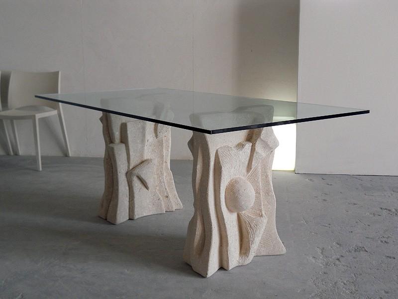 Archivio, Mesa hecha de piedra con tapa de cristal, estilo moderno