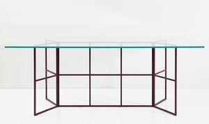 Frame, Mesa con base tubular de hierro