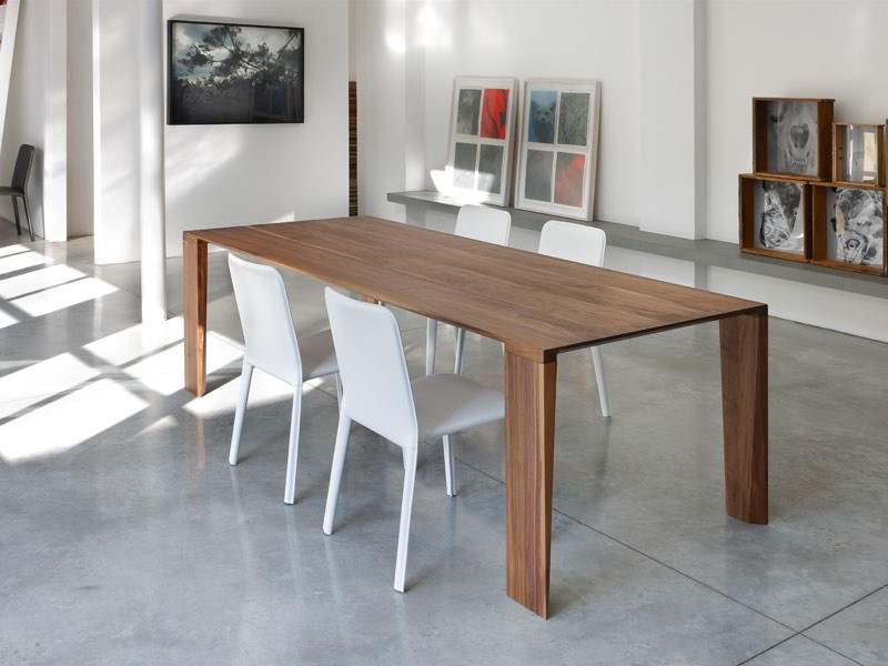 Mesa de madera maciza, para la cocina moderna | IDFdesign
