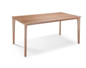 E17, Mesa con tablero de listones de madera