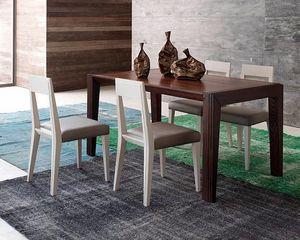 Tea, Mesa de comedor de madera