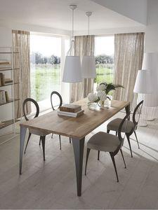 Malaga mesa, Mesa con las piernas cortadas con láser de hierro, tapa de roble