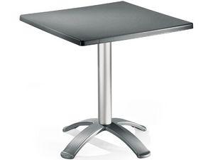 Table 72x72 cod. 06/BG4, Mesa de centro con 4 pies, para uso en exteriores