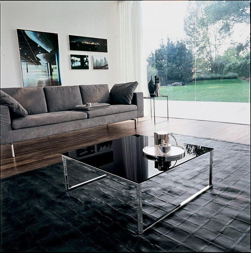 CENTRAL, Mesa con estructura lineal, en vidrio y metal, por suite