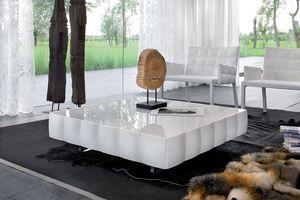 VENICE coffee table, Mesa de centro en laminados recubiertos con PVC, para la sala de espera