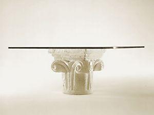 Medea, Mesa de centro de la sala de estar, base de piedra