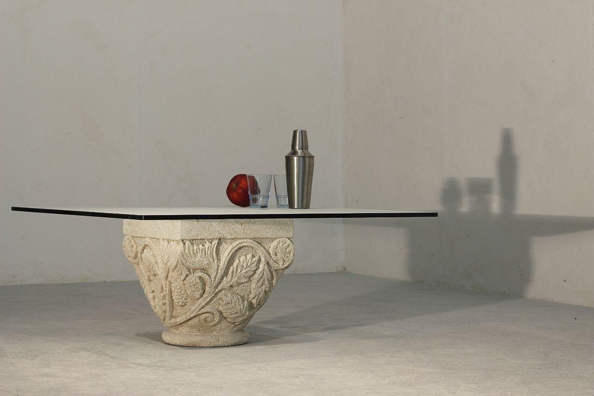 San Romano, Pequeña mesa con elegante sótano piedra, decoraciones artesanales