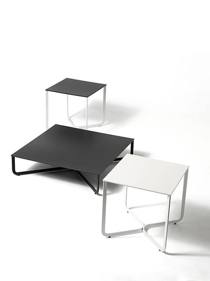 XL, Mesa de centro en el tubo de metal, tapa de madera lacada