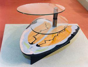 Art. 234, Mesita para salón con 2 estantes de cristal.