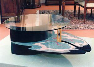 Art. 235, Mesita policromada con tapa de cristal